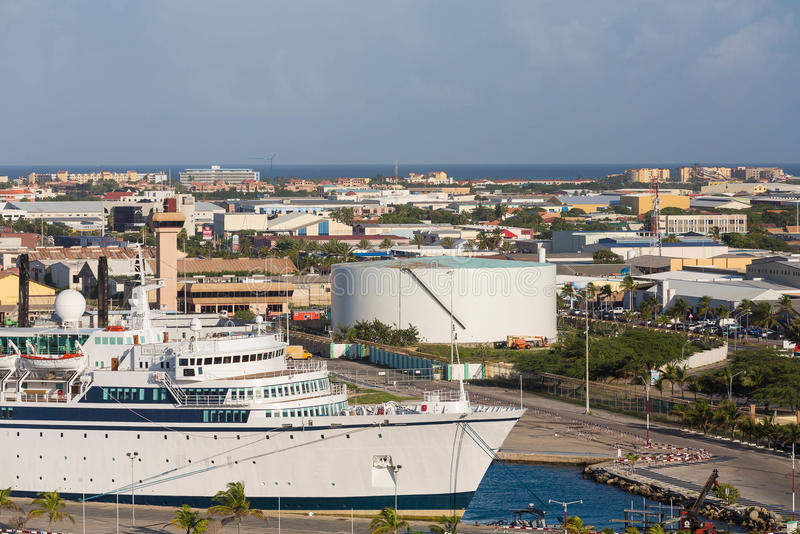 Cruise Ship In Port Of Aruba Stock Image Image - Cruise ships in aruba