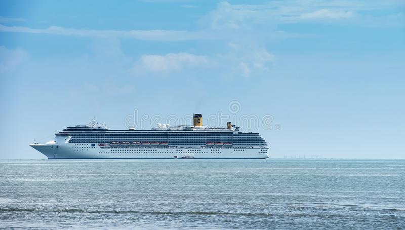 Download Cruise ship editorial stock photo. Image of fancy, liner - 33529813