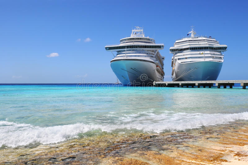 Cruise Ships Docked In Caicos Island Royalty Free Stock Images
