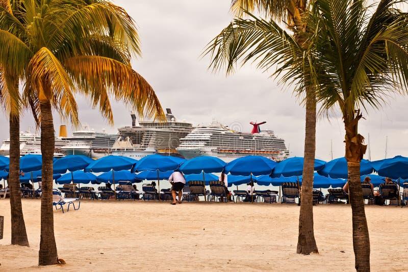 Download Cruise Ships In Philipsburg, St. Maarten Editorial Stock Photo - Image: 29226193