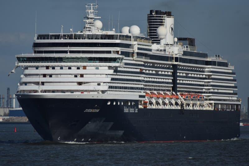 Cruiseship de hors de Rotterdam photos libres de droits