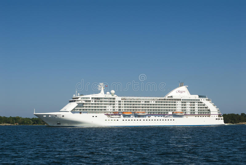 Download Cruiseship Seven Seas Voyager Editorial Photography - Image: 30337237