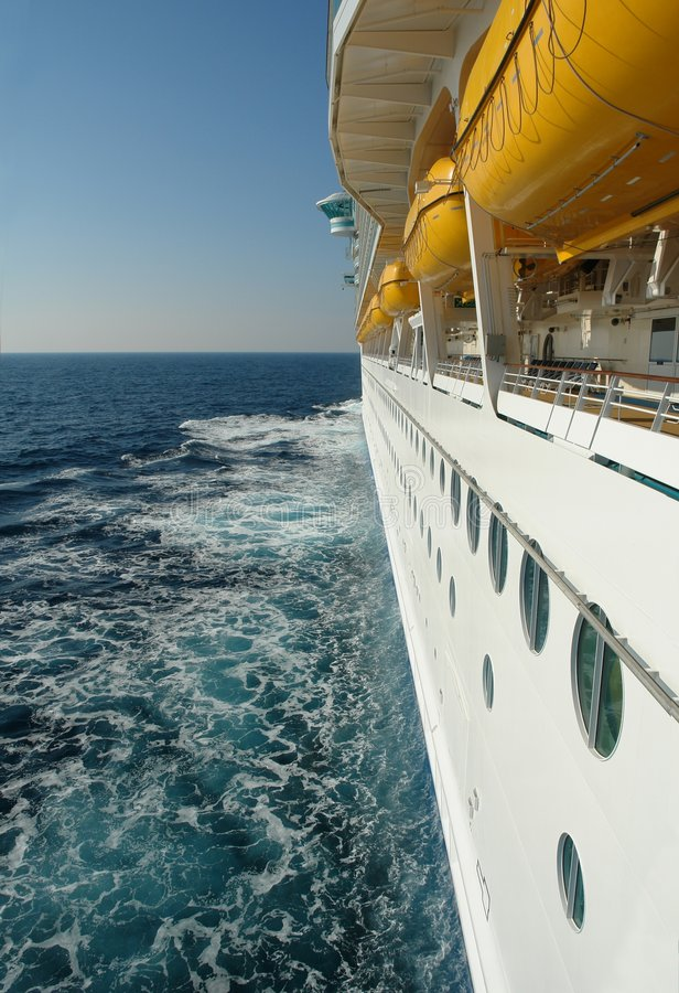 Download Cruiseship Sonderkommando stockfoto. Bild von luxus, luxuriös - 839008