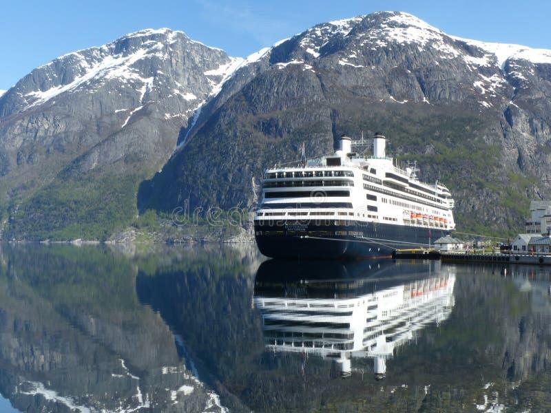 Cruiseship x 2 royalty-vrije stock foto's