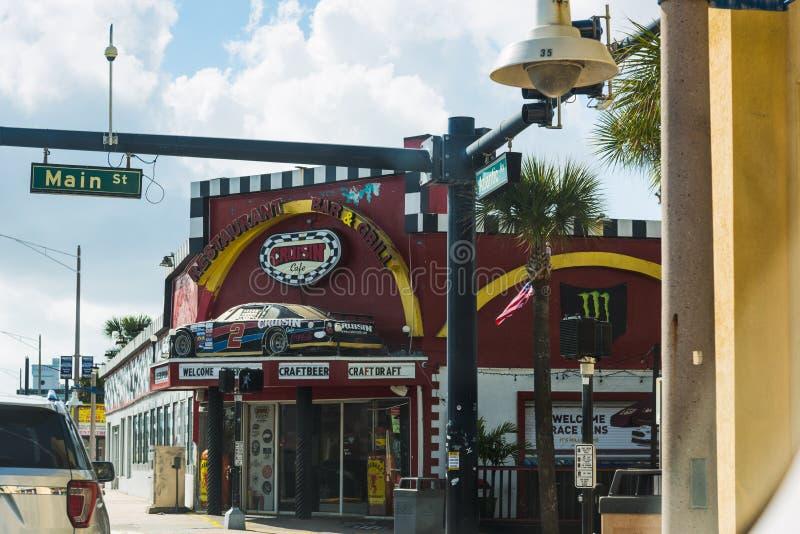 Cruisin-Caf? in Daytona- Beachhauptstra?e an einem bew?lkten Tag stockfotografie