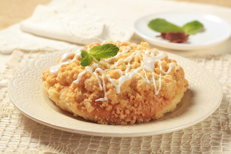 Crumb topped breakfast pastry royalty free stock images