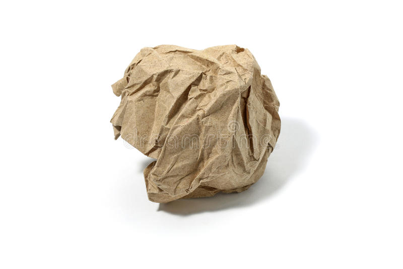 Crumbled ha usato la palla di carta isolata sopra i precedenti bianchi fotografia stock