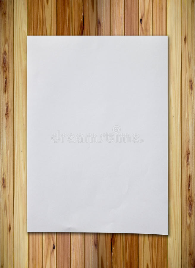 Free Crumpled Paper On Wood Wall Stock Photography - 20142612