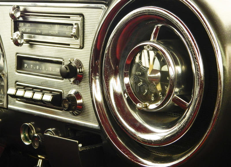 Cruscotto d'annata dell'automobile fotografia stock