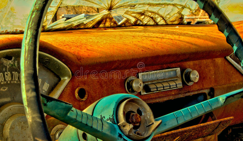 Cruscotto dell'automobile antica fotografia stock libera da diritti