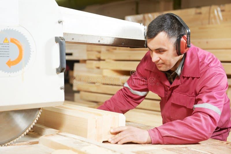 Cruz da madeira da carpintaria do close up fotos de stock royalty free