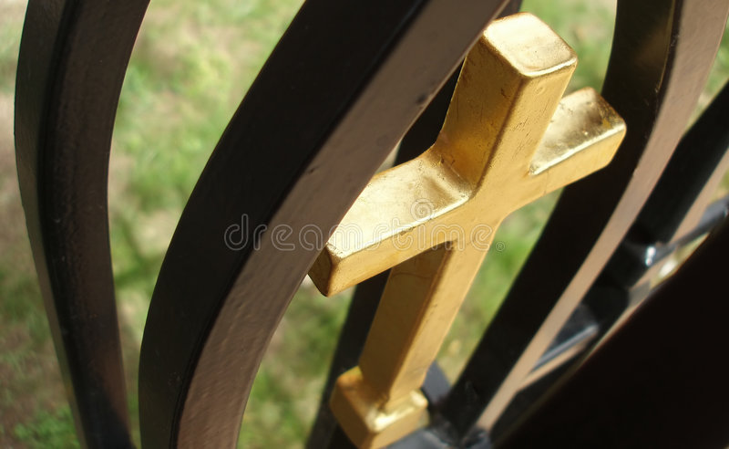 Download Cruz de oro imagen de archivo. Imagen de pared, santo, simbólico - 177347