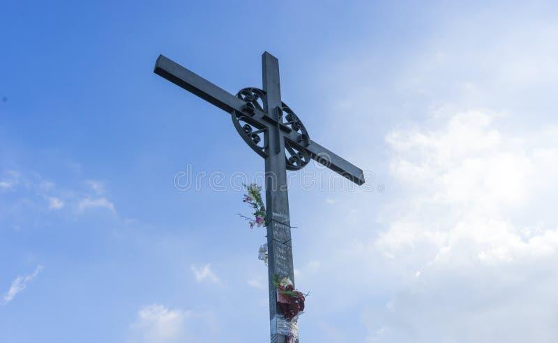 Cruz do Jesus Cristo Páscoa, conceito da ressurreição Ferro cristão foto de stock royalty free