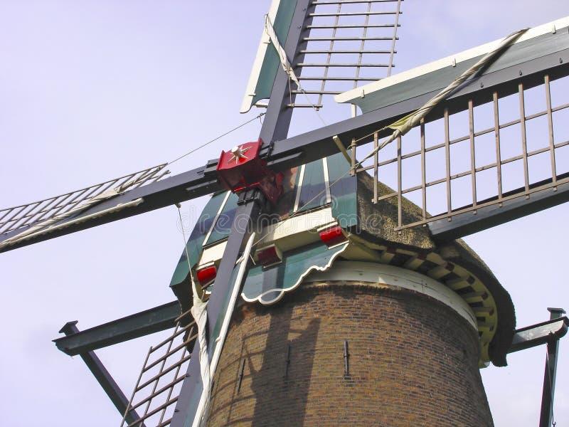 A cruz do moinho de vento com velas fecha-se acima fotografia de stock royalty free