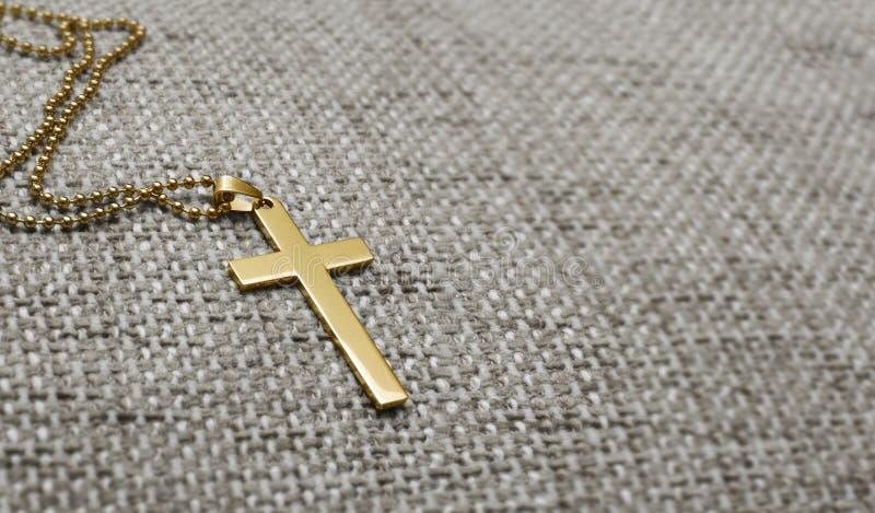 Cruz do ouro imagem de stock royalty free