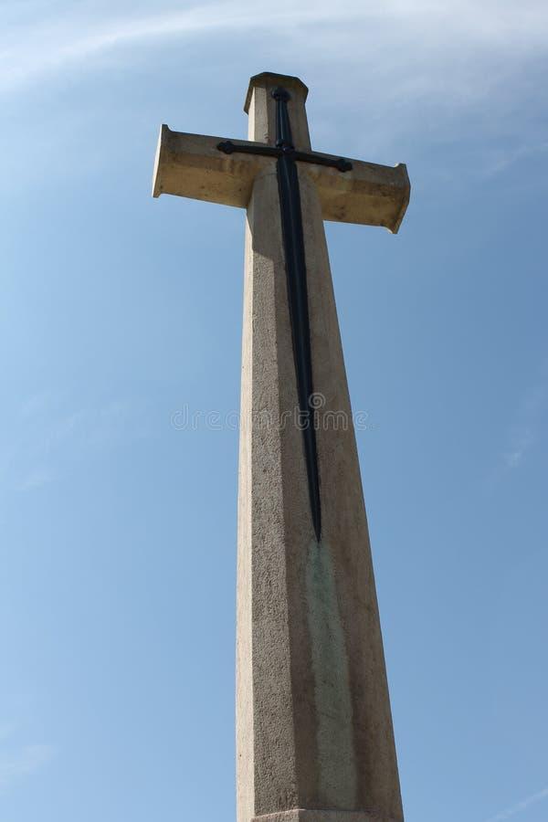 Cruz do sacrifício no cemitério militar da madeira CWGC de Delville no Somme imagens de stock