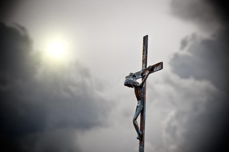 Cruz e céu imagem de stock