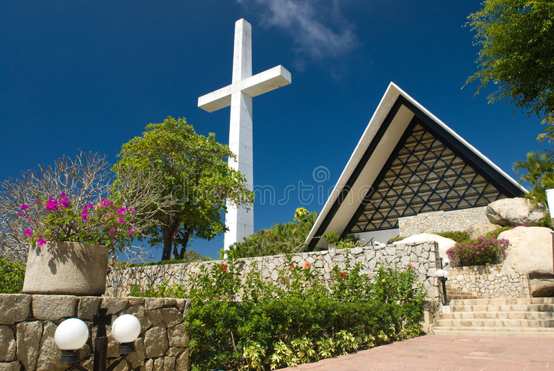 Cruz e iglesia de Acapulco imagen de archivo libre de regalías