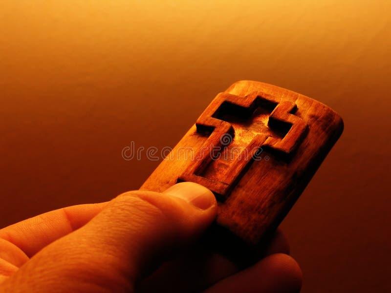 Cruz na madeira imagem de stock royalty free