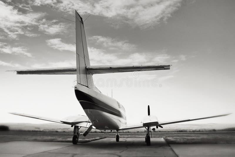 Cruzado de Cessna 303 - vista traseira 03 fotografia de stock royalty free