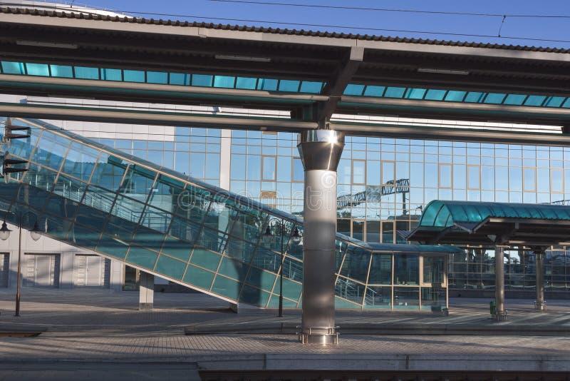 Cruzamento de pedestre para railroad a plataforma imagem de stock royalty free