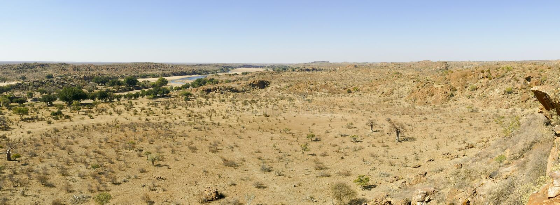 Cruzamento de rio de Limpopo a paisagem do deserto da nação de Mapungubwe foto de stock royalty free