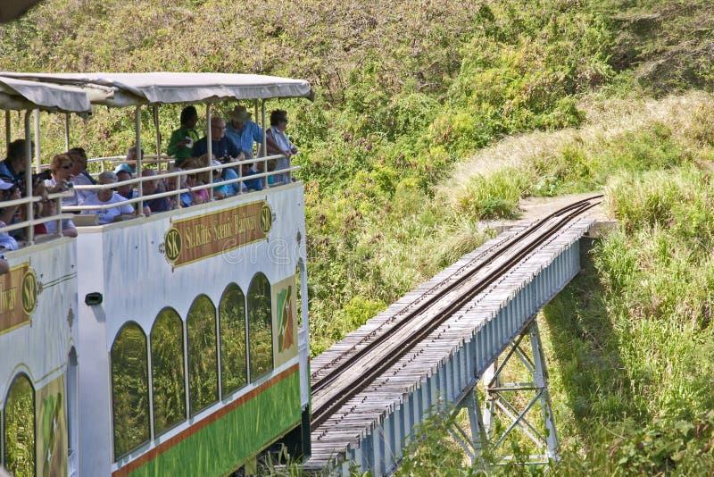 Cruzando a ponte em St Kitts foto de stock