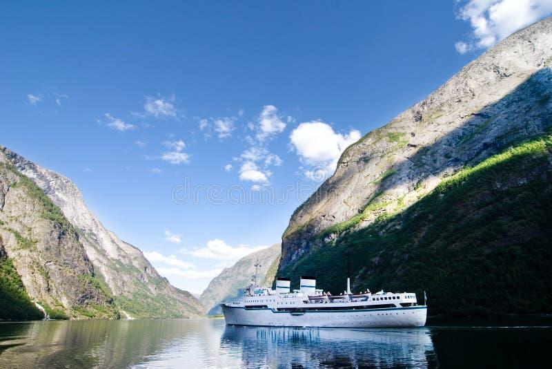 Cruzeiro de Sognefjord Noruega fotos de stock royalty free