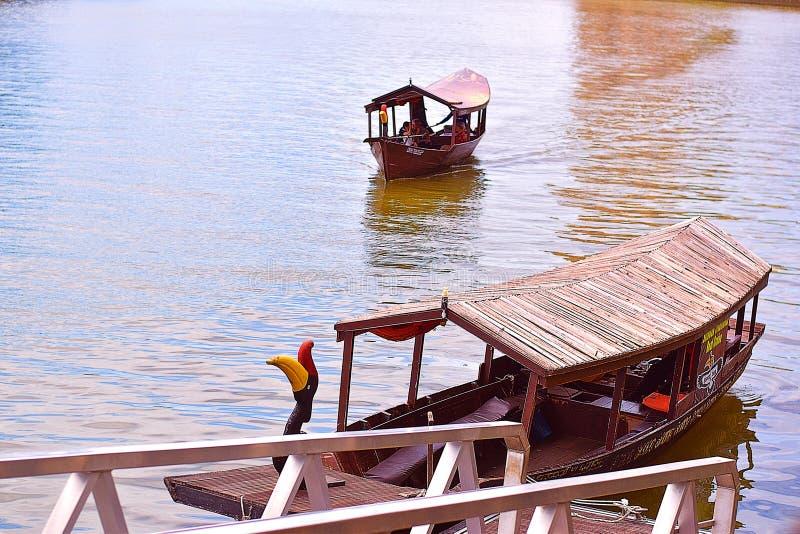 Cruzeiro do rio de Kuching Sarawak fotos de stock royalty free