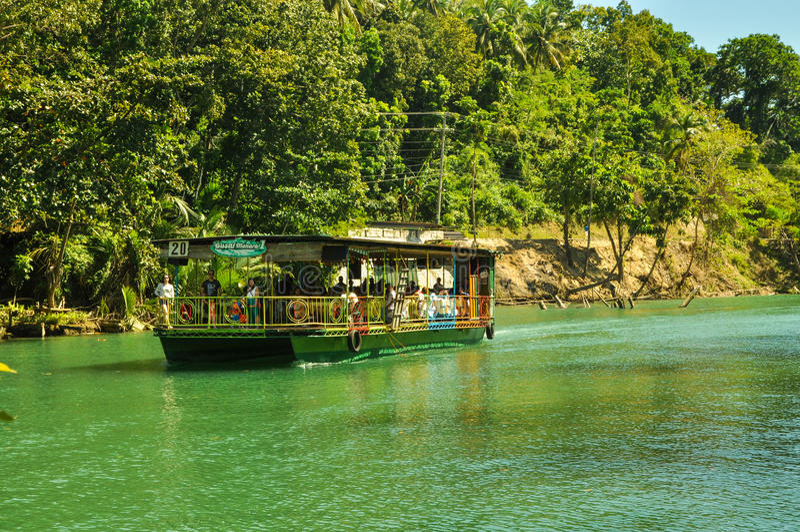 Cruzeiro do rio de Loboc foto de stock royalty free