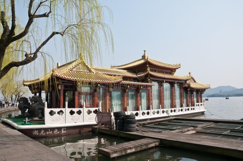 Cruzeiro ocidental do lago Hangzhou fotografia de stock royalty free