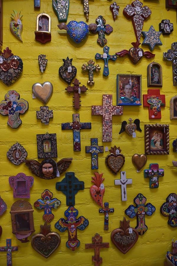 Cruzes para a venda, México foto de stock