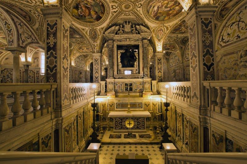 Crypte de cathédrale de Salerno images stock