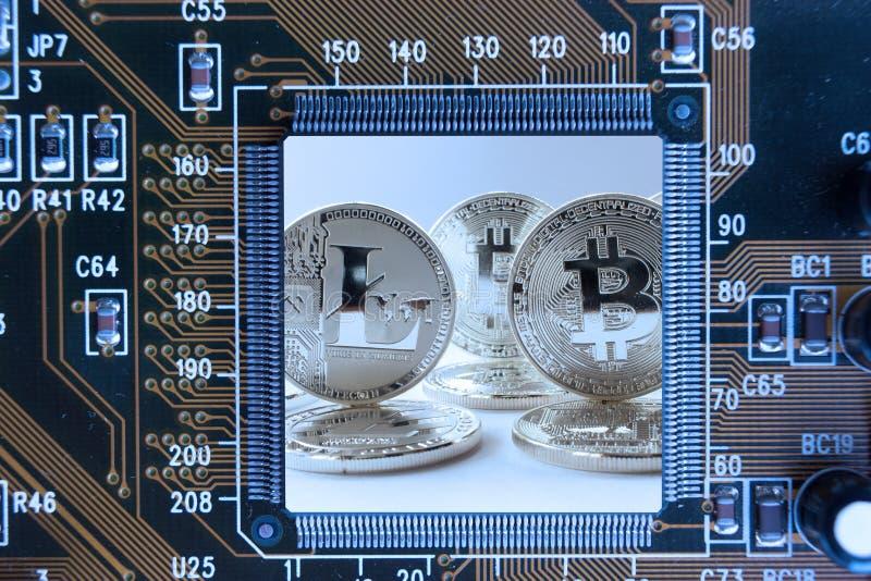 Crypto carte mère abstraite de pièces en argent de devise photo libre de droits