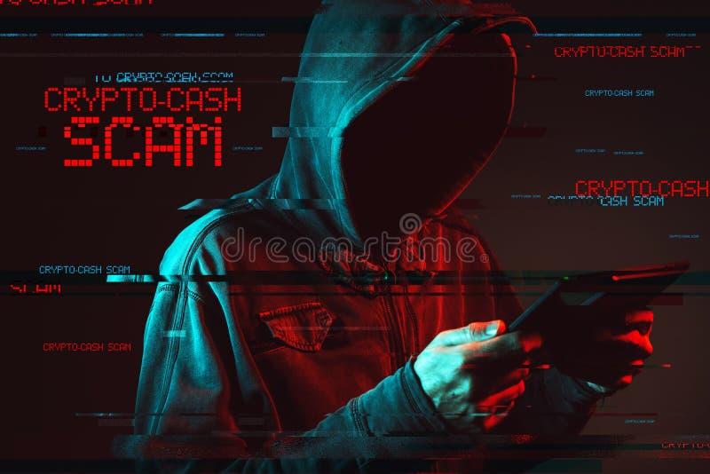 Crypto contant geldconcept met anonieme mannelijke persoon met een kap stock foto