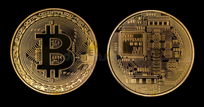 Crypto Currency Golden Bitcoin geïsoleerd op zwarte achtergrond Het concept virtuele internationale valuta en handel op het stock afbeeldingen