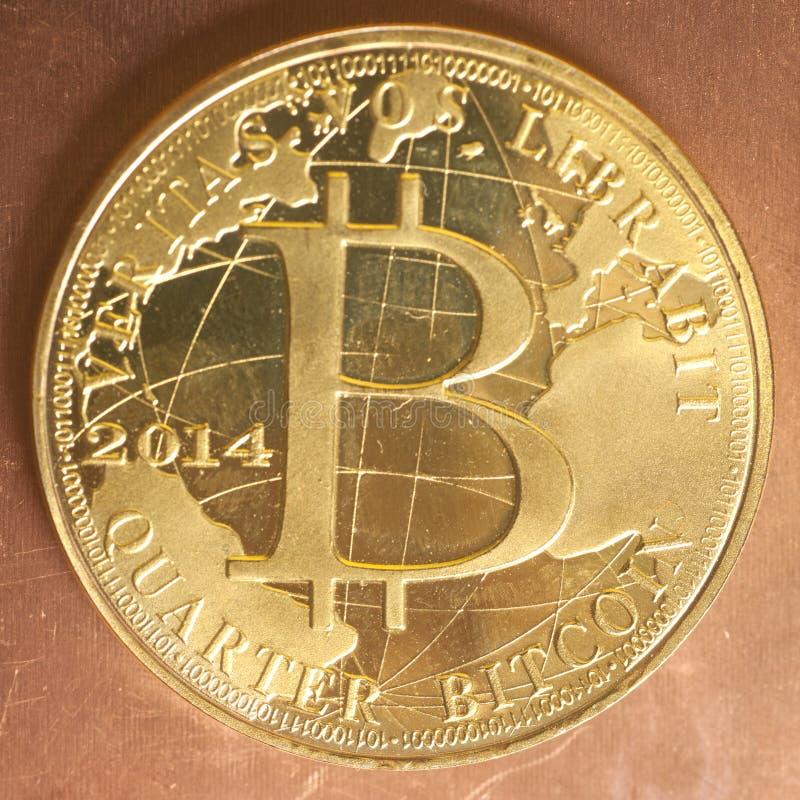 Crypto devise de pièce de monnaie d'or de Bitcoin photos libres de droits