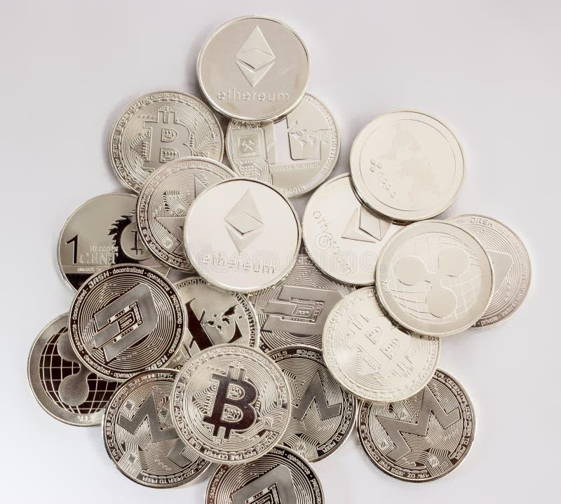 Crypto krusning 3 för streck för litecoinbitcoinethereum arkivfoto