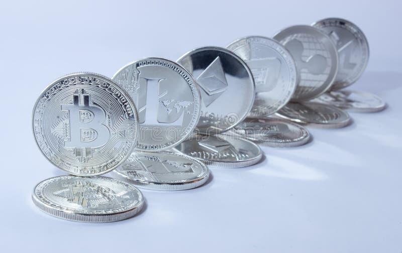 Crypto rimpeling 2 van munt litecoin bitcoin ethereum stock afbeelding