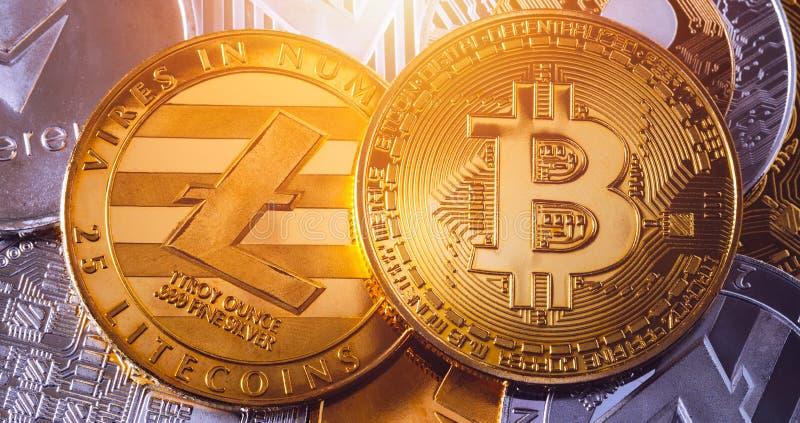 Crypto waluty monety ustalona kolekcja, bitcoin, ethereum, litecoin, czochra Cyfrowej waluta Cryptocurrency Srebro i złoty zdjęcia stock