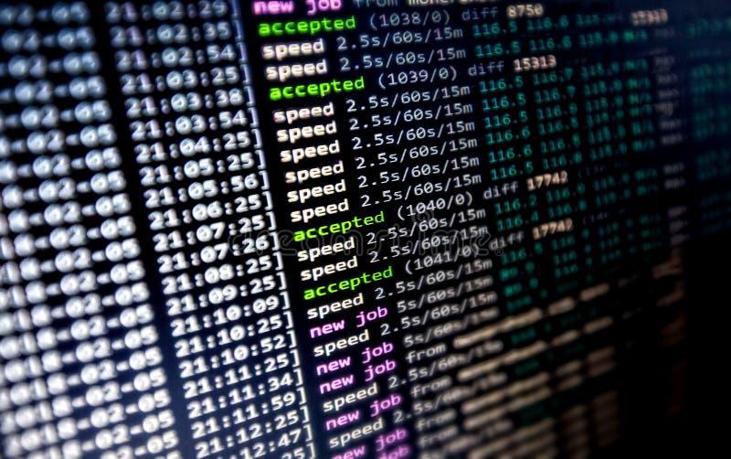 Cryptocurrency采矿时尚:Cryptocoin Minining软件在工作 免版税库存照片