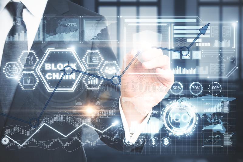 Cryptocurrency, тайнопись и концепция электронной коммерции стоковая фотография