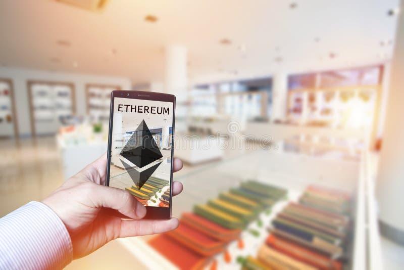 Cryptocurrency betalningbegrepp med Ethereum royaltyfri bild