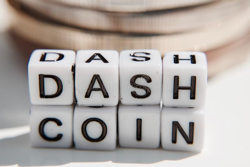 Cryptocurrency de pièce de monnaie de tiret photo libre de droits