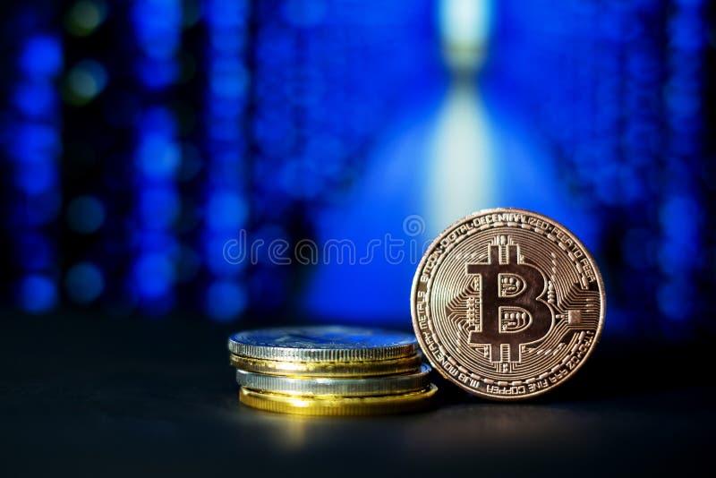 Cryptocurrency; digitalt bryta för valuta royaltyfri foto