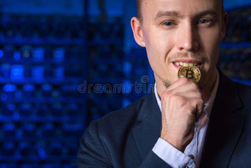 Cryptocurrency do bitcoin do mineiro fotografia de stock royalty free