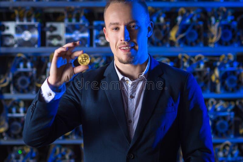 Cryptocurrency do bitcoin do mineiro fotografia de stock