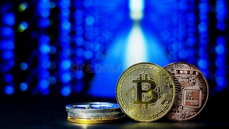 Cryptocurrency; la explotación minera digital de la moneda foto de archivo libre de regalías