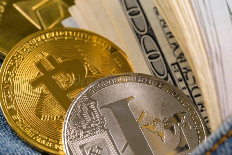 Cryptocurrency złote monety - Bitcoin, Ethereum, Litecoin na tle złociste bryłki fotografia royalty free