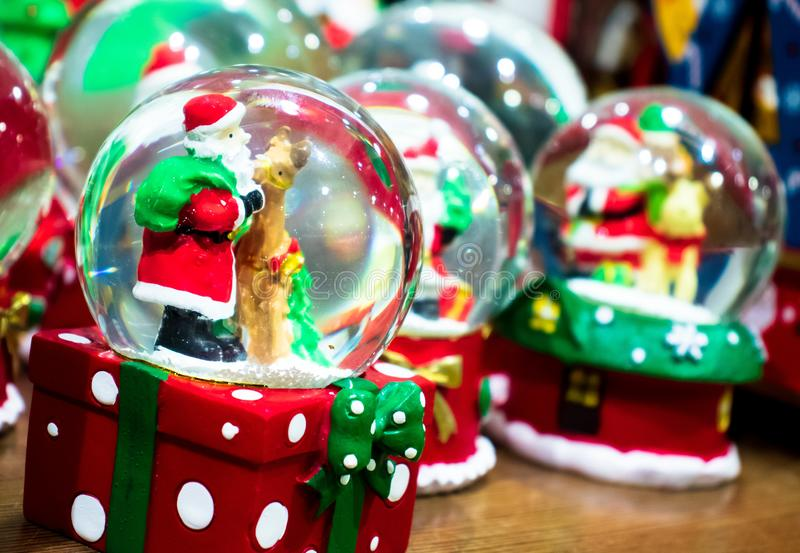 Crystal Ball Santa, clause photographie stock